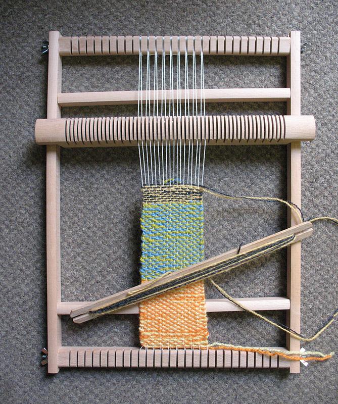 Mini Loom with Shuttle