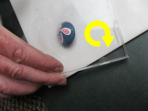 The centre of the Bicone Bead becoming pointed