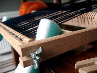 Threading yarn through hooks