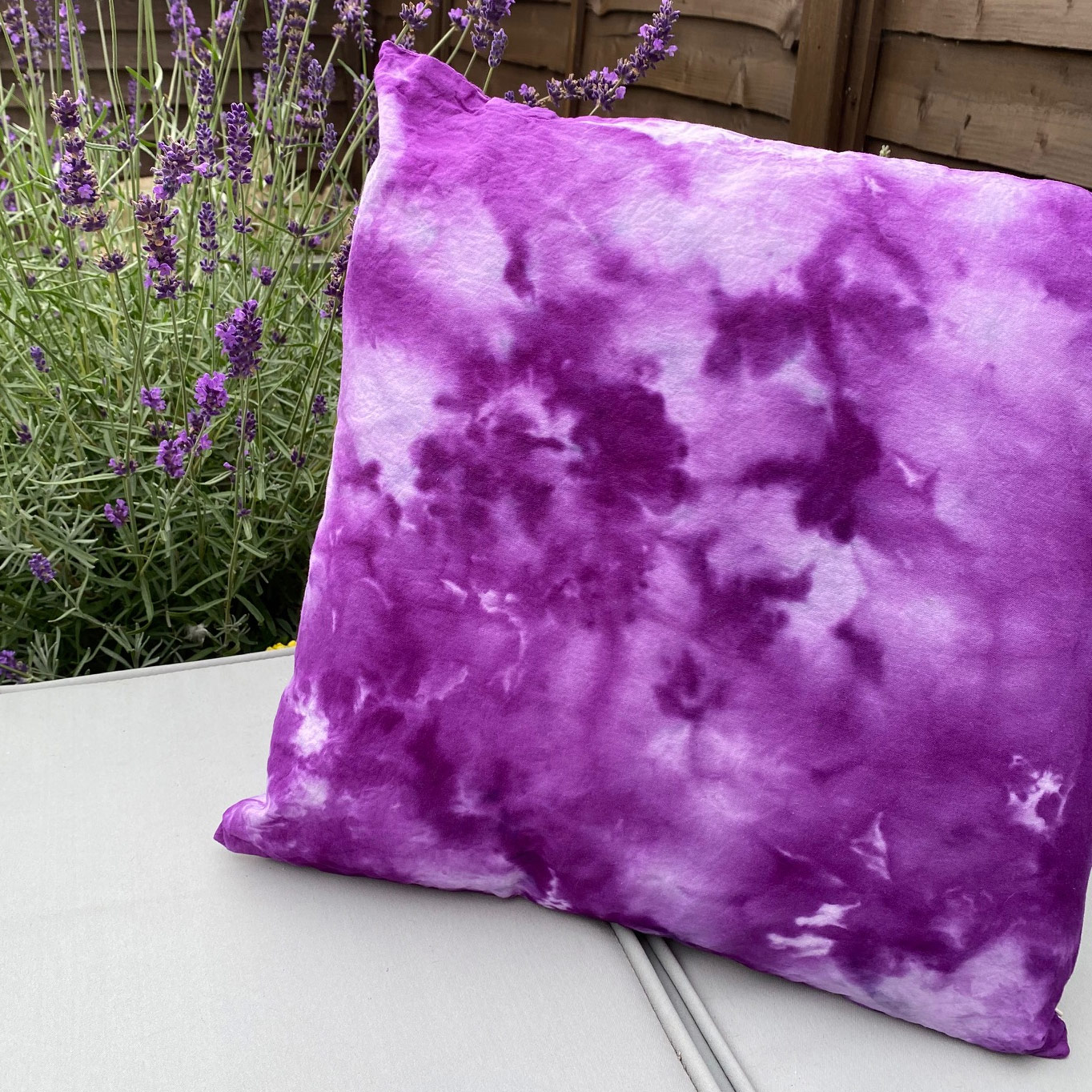 Ice dyed cushion cover