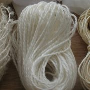 Rug wool yarn - undyed