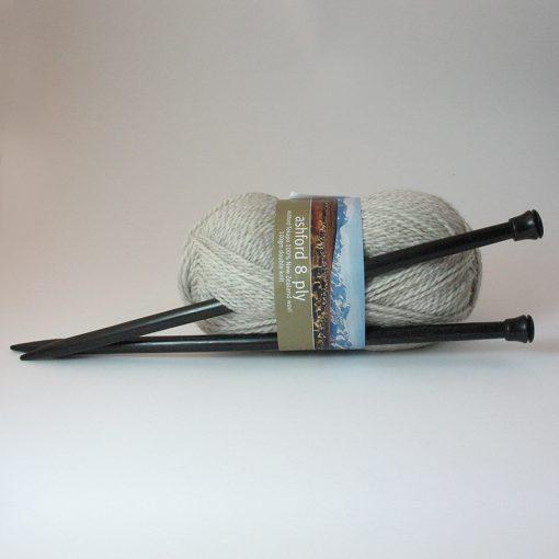 Ebony Chunky Knitting Needles Pair - 10mm / UK 000