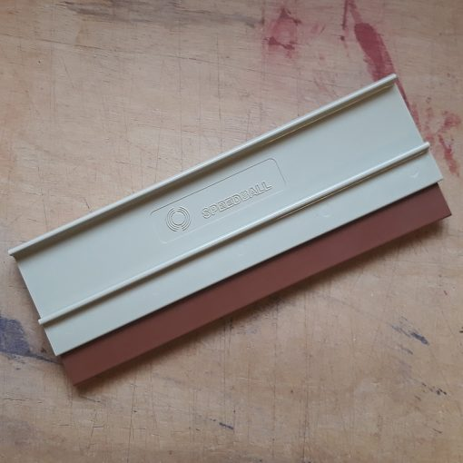 Bevel edge, rounded squeegee