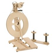 Louet Victoria Spinning Wheel S95 in beech