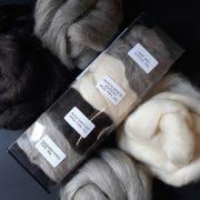 A mix of natural wool fibres for felt making